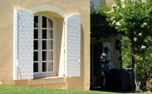 l 39 ouverture fabrication de volets roulants et persiennes. Black Bedroom Furniture Sets. Home Design Ideas